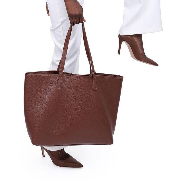 Kahmune matching tote bag and heels